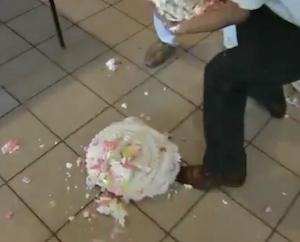 ウェディングタワーケーキ失敗