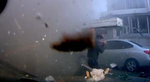 道路で突然のガス爆発