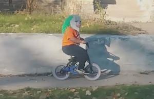 おふざけが過ぎた自転車少年