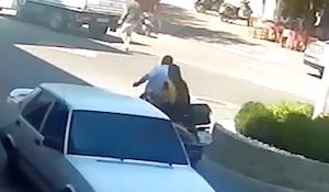 2回も同じ人をバイクでひいてしまった女性