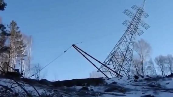 案の定な塔建設失敗