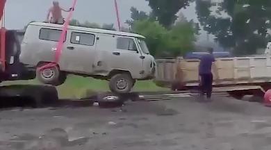 車の吊り上げ失敗