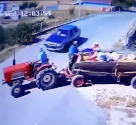 事故でトラクター分裂危機一髪