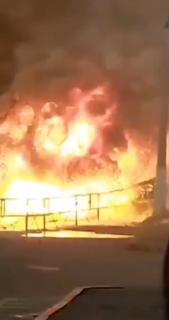 徐々に巨大化して大爆発する火災