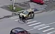 車に轢かれるも元気な自転車乗り